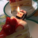 ケーキにトミカのキャンドルねじ込んだら西部警察になった