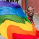 ゲイの男子学生がセクシュアリティをバラされて自殺した事件。