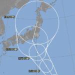 台風7号が週中頃に接近の恐れ。比較的めずらしいコースなので、前代未聞の現象が起こる可能性もあり、注意が必要……。