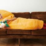寒い冬に温まれるものを、ということでエビフライ寝袋を作りました。揚げたての衣のようなキツネ色の生地がポイントです。