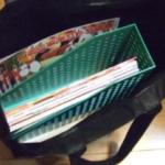 ちょっと小ネタだけど、トートバッグとか紙袋に100均のこんな感じのケースを入れておくと