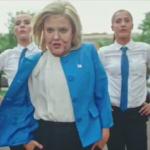 トランプとクリントンのそっくりメイクしたダンサーがダンスバトルする動画、修学旅行中の布団の中で10回は見たよね、、