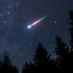おうし座流星群を撮りに行って偶然撮れた、おうし座流星群ではない火球。