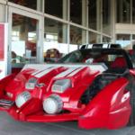 仮面ライダードライブの愛車「トライドロン」が萬画館に登場。 萬画館正面玄関前に展示してますので是非チェックです。 運転席付近にはベルトさん装着済みです!!