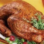 ウチの旦那は南部出身なので、七面鳥は男達が巨大鍋で揚げます。  毎年火事になる家があるのも風物詩。 日本でいう正月の餅みたいなハイアラート料理。
