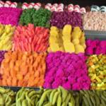 シリア料理の粋、ピクルス。中東各地にあれど、ここまで色彩にこだわるのは珍しい。ダマスカスの青空市場にて。
