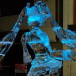 今にも踊りだしそうな氷ミクさん。どんな技術だよ・・・神なの?