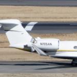 日産が飛行機を開発したのかと思った。N155ANという機体番号だった。 (羽田空港)