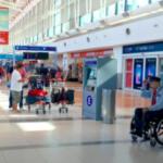 注文を「忘れる」料理店で思い出したんだけど、写真は去年のもので、ブエノスアイレスの空港。車椅子の案内員やガードマンをちょいちょい見かけた。