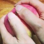 桃の皮の裏技凄いんだよー楽だから桃食いたくなるーー